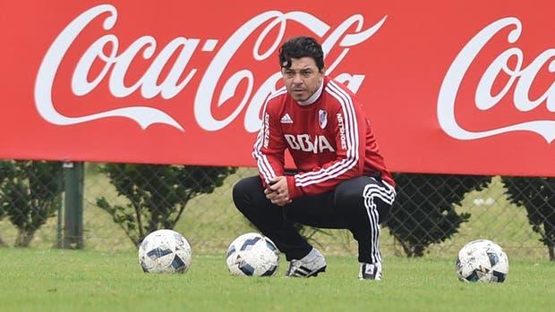 Marcelo Gallardo piensa en el equipo para jugar ante Defensa