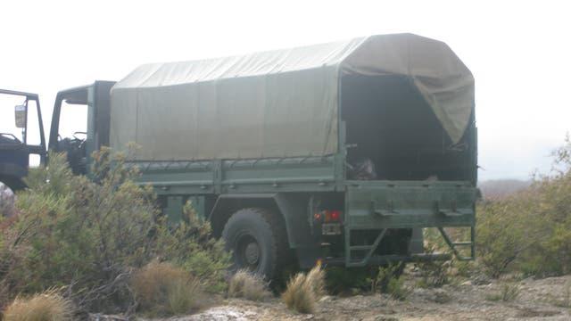 Uno de los móviles que ingresó al lugar, el camión Eurocargo, de El Bolsón