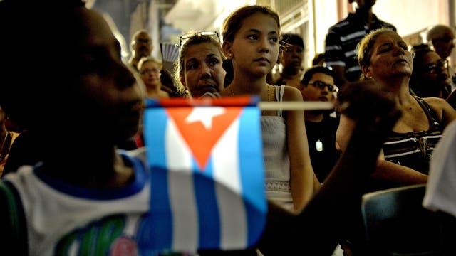Los cubanos participan de la nominación de asambleístas, parte de proceso que acabará en la elección de un nuevo presidente para el país, ayer, en La Habana