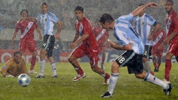 Palermo en el agónico gol rumbo a Sudáfrica