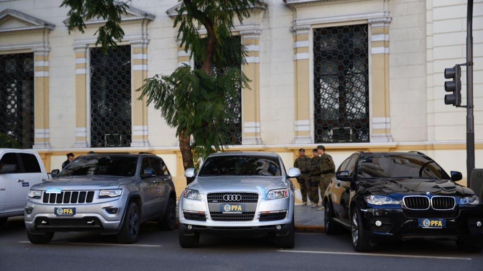 La avenida Belgrano es el escenario donde se pueden ver éstos autos