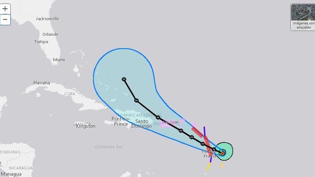 Avanza 'María' con categoría 4 hacia Dominica