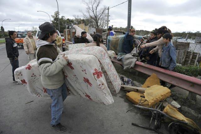 Sigue llegando la ayuda a las personas que sufrieron las inundaciones en la provincia de Buenos Aires