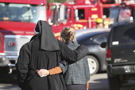 El hombre que abrió fuego en la institución, padre de uno de los estudiantes, también murió. Foto: EFE