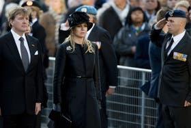 El nuevo rey de Holanda, Guillermo-Alejandro, y su mujer Máxima Zorreguieta, asistieron hoy a su primer acto oficial