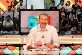 Carlos Barragán, conductor y panelista del ciclo 678