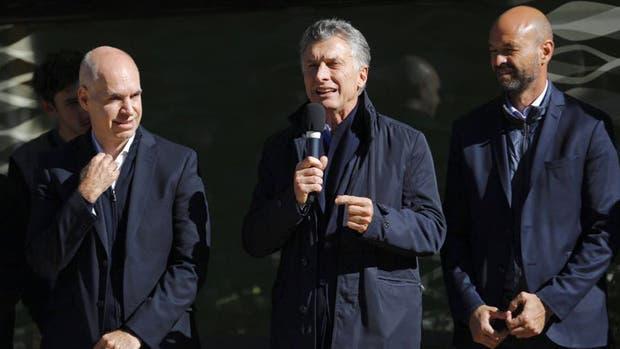 Larreta, Macri y Dietrich, durante la inauguración del Metrobus del Bajo