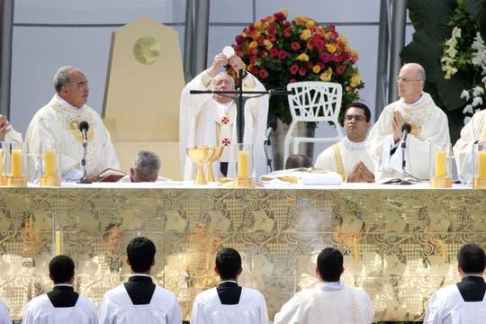 El Papa hizo un llamado a los jóvenes a que salgan a evangelizar. Foto: AP
