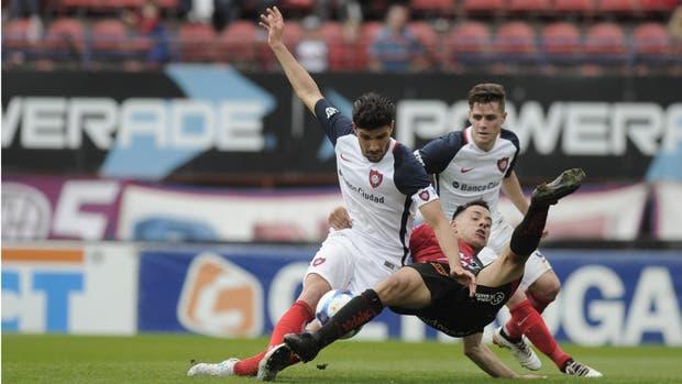 Mucha lucha y poco fútbol en San Lorenzo-Colón