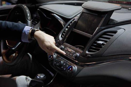 El sistema OnStar de GM abrió su plataforma a desarrolladores, de la misma forma que Ford, para impulsar diversos servicios adicionales para el conductor. Foto: AP