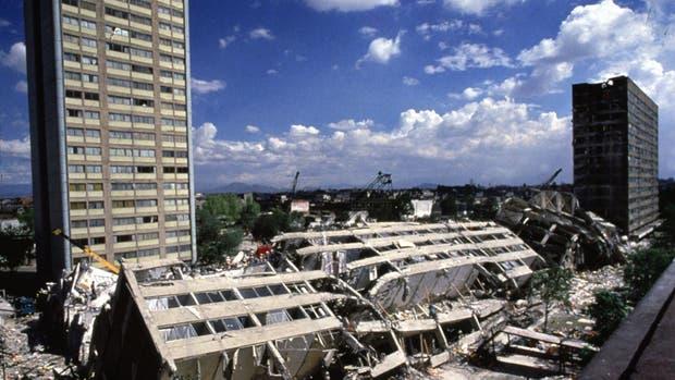 Edificios caídos luego del terremoto