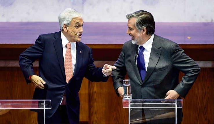 Sebastián Piñera, de Chile Vamos, con Alejandro Guillier, candidato de Nueva Mayoría