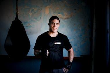 Brian Castaño, el campeón del mundo, en el gimnasio en San Justo