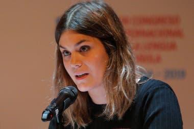 """En el último Congreso de la Lengua, en Córdoba, Sastre fue ovacionada por la audiencia después de leer el poema """"Somos mujeres"""""""