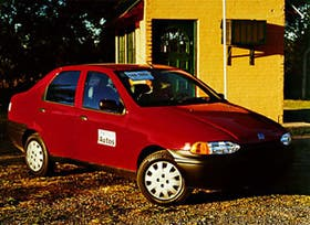 Con el Fiat Siena GNC se pueden recorrer 100 kilómetros con 3 pesos