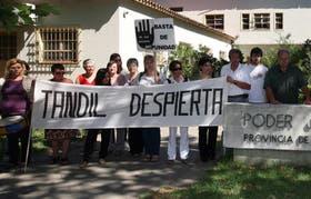 Familiares de niños abusados sexualmente, en una de las últimas manifestaciones ante la fiscalía