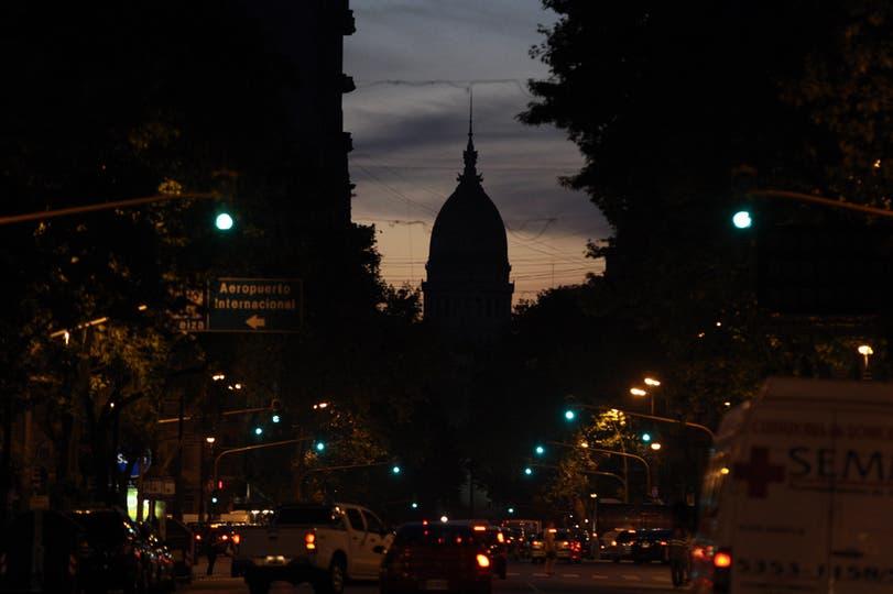 Un gran apagón dejó sin luz a gran parte de la ciudad de Buenos Aires, 7 de noviembre. Foto: LA NACION / Hernán Zenteno
