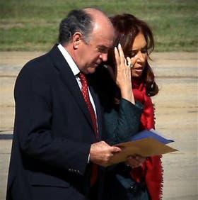 """En la Casa Rosada llaman a Parrilli el """"mayordomo"""" de la Presidenta"""