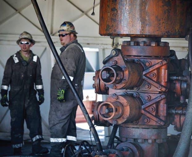 Cerca de 60% de los equipos de fracturación hidráulica han estado ociosos durante el bajón del petróleo, según IHS Energy, y algunos tardarían dos meses en volver.
