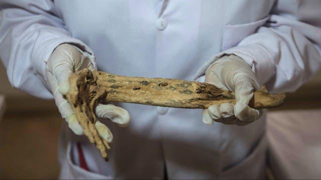 Las trabajos demuestran que estos corresponden a la cultura Lima (100-650 dC), Ychsma (900-1470 dC) y la inca (1200-1500 dC) pero también existen cerámicos de una cultura posiblemente de 300 años aC