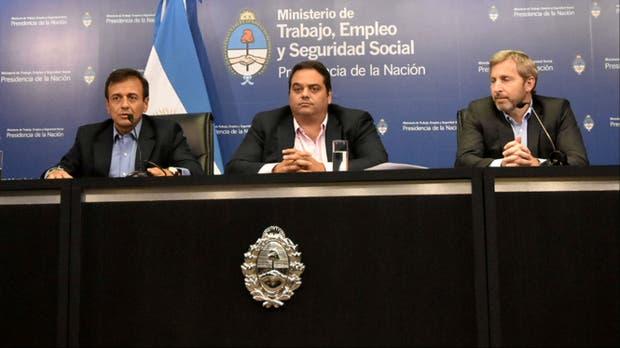 Quintana, Triaca y Frigerio hicieron el anuncio