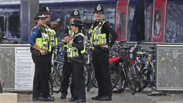Más policía en las calles británicas: en la imagen, en la estación Paddington del tren, en Londres