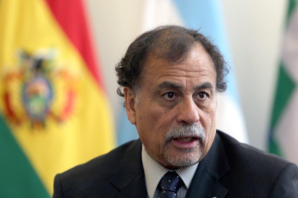 Marcha atrás: Bolivia dará atención médica gratuita a los argentinos