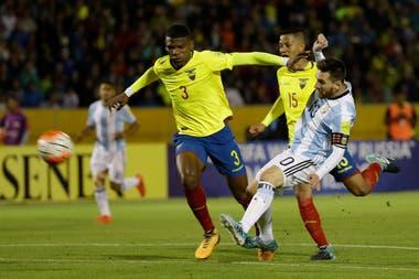 Octubre de 2017: Messi convierte tres goles frente a Ecuador en las eliminatorias para el Mundial Rusia 2018