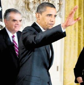 Barack Obama, tras firmar las primeras medidas energéticas de su gobierno, ayer, en la Casa Blanca