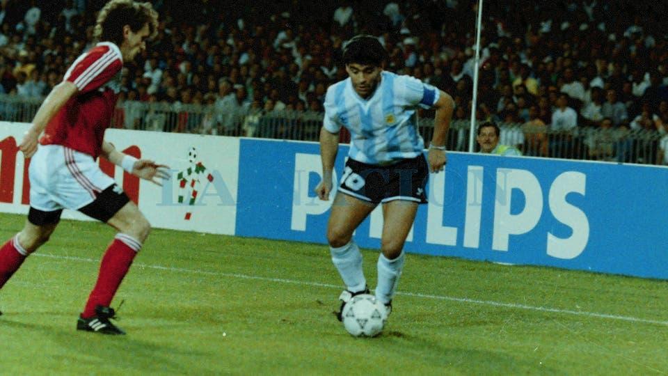 13-6-1990: después del duro golpe ante Camerún en el debut de Italia 90, se logró un valioso triunfo ante Unión Soviética.. Foto: LA NACION