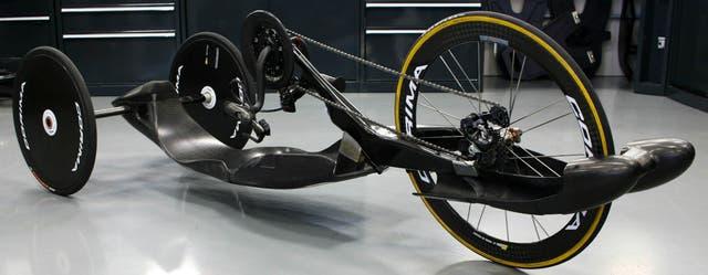 Una bicicleta manual para discapacitados obra de los ingenieros de Williams