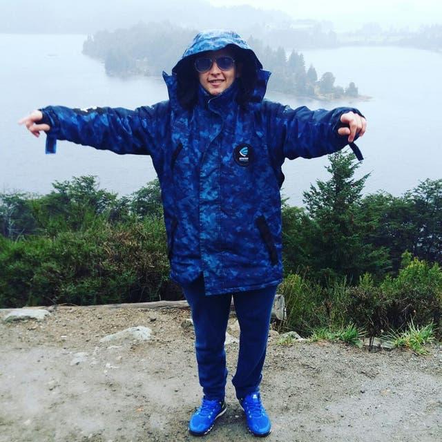 """Benjamín """"Dipy"""" Romano en su viaje de egresados en Bariloche."""