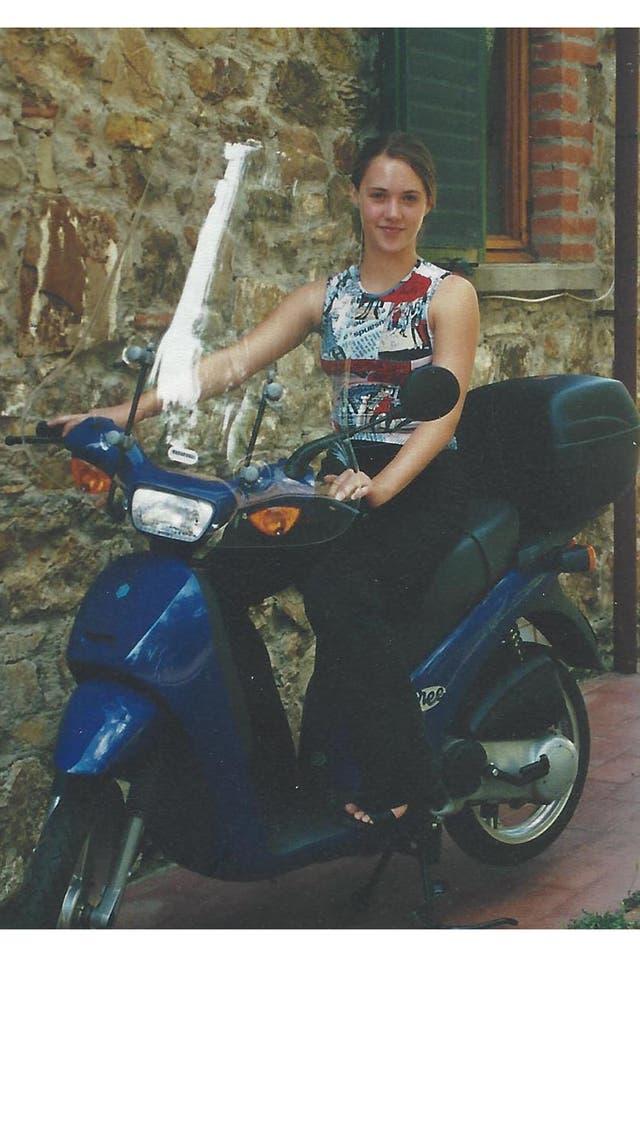 Evans Welch, paseando en scooter por Florencia