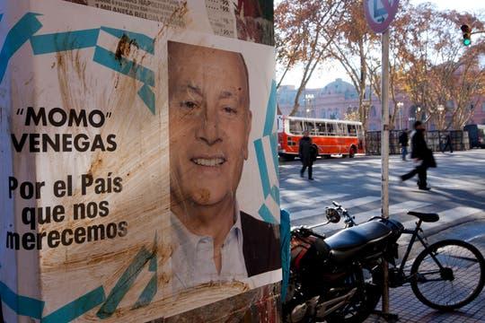 Unos 5000 afiches, de 109 por 148 centímetros, cuestan 11200 pesos. Foto: LA NACION / Ezequiel Muñoz