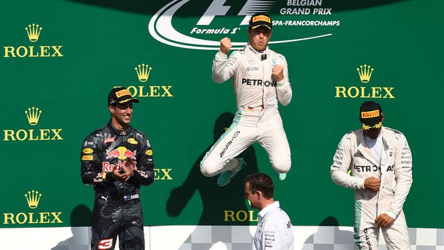 Rosberg celebra su triunfo en Bélgica