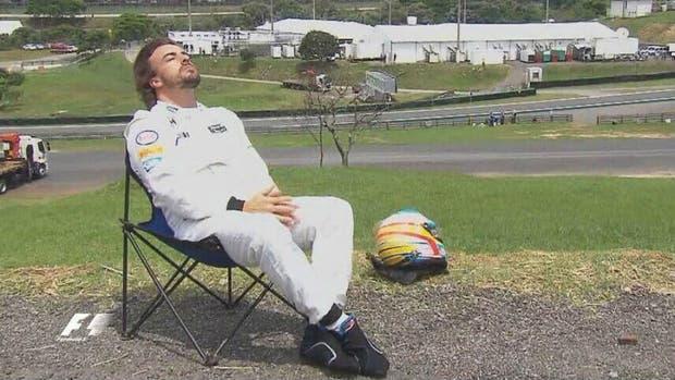 Fernando Alonso renueva por una temporada más con McLaren