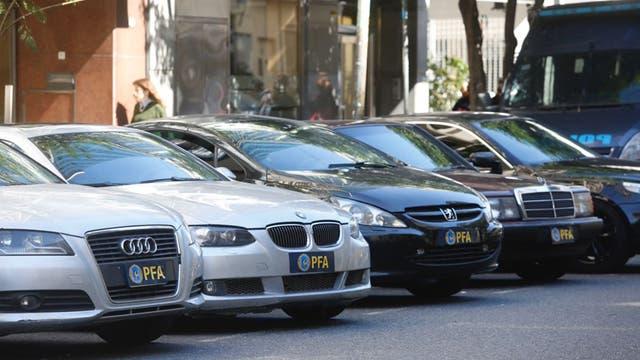 La cantidad de autos no pasó desapercibidio para quienes pasaban por el lugar