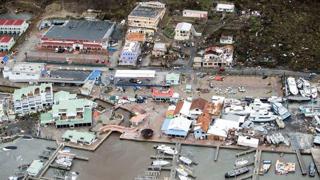 Casas destruidas y veleros arrojados a tierra dan una clara muestra de la fuerza con la que Irma azotó la región