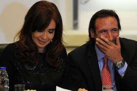 Cristina Kirchner bromeó con Hernán Lorenzino durante el acto de ayer en la Casa Rosada