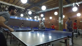 Iván de Pineda y Nazareno Casero jugaron al ping pong en El Sanber