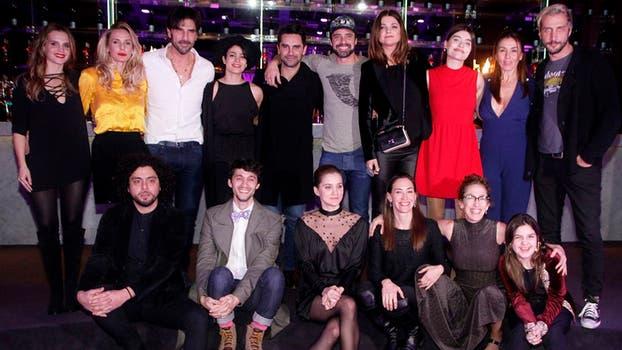 El elenco de Los ricos no tienen permiso, a pleno. Foto: Prensa El Trece