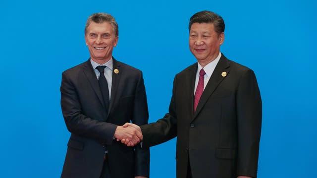 Macri llegó hoy a China con un objetivo prioritario: firmar acuerdos para la realización de obras y formalizar anuncios de inversiones para la Argentina.