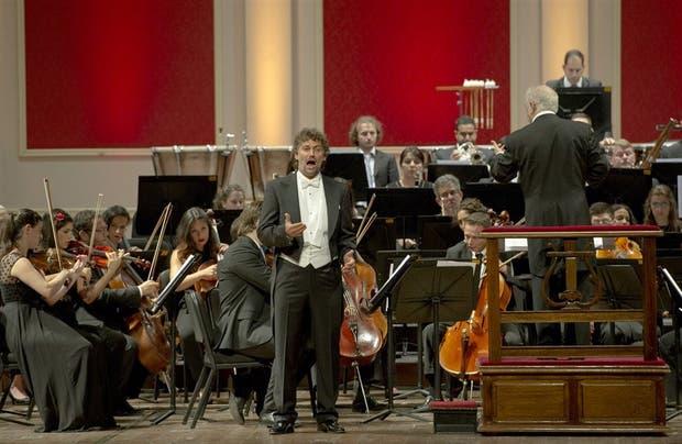 El tenor alemán, dirigido por Barenboim