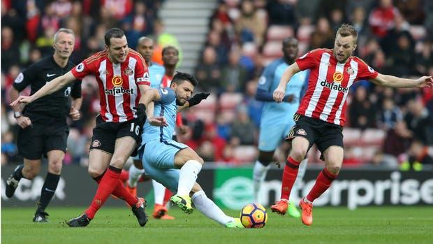 Manchester City gana al Sunderland y retoma subliderato en Liga Premier