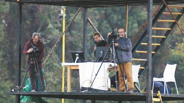 Pares TV en la transmisión en al cancha de Flandria