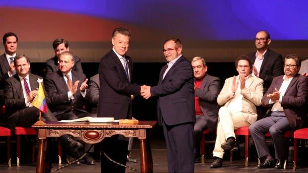 Gobierno colombiano entrega a Congreso nuevo acuerdo para refrendación