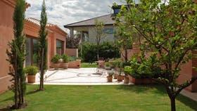 CON IDENTIDAD. Un jardín concebido por Carlos Thays en el barrio Castores de Nordelta