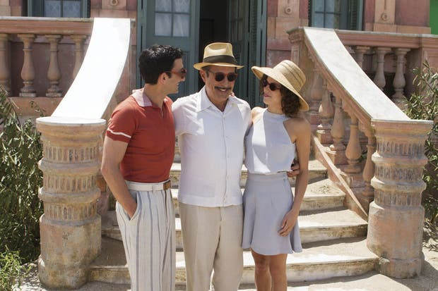 Minujín, Francella y Bustos, y la notable ambientación de un film ambicioso.