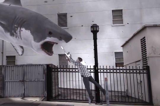 Una captura del film Sharknado, que generaron los comentarios sobre el argumento absurdo del film. Foto: Gentileza knowyourmeme.com