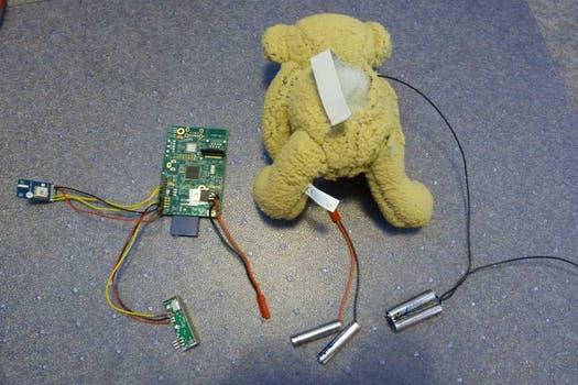 Babbage antes del lanzamiento, con la adición de la microcomputadora Raspberry Pi. Foto: Gentileza @daveake
